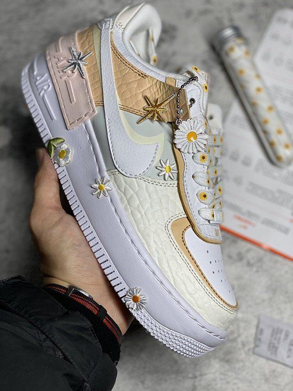 Giày Nike Air Force 1 hoa cúc