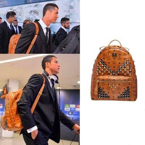 Ronaldo với chiếc balo MCM chính hãng