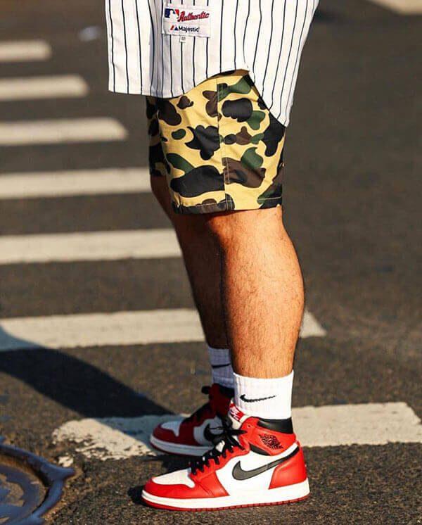 Phối đồ giày Air Jordan 1 với quần short áo sơ mi