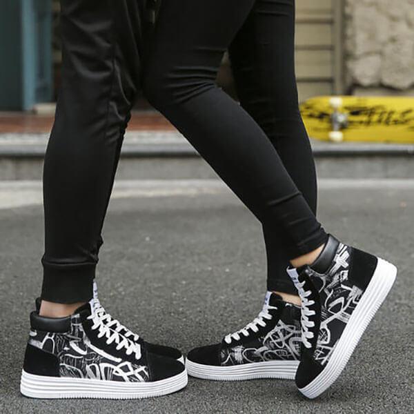 Mặc quần legging với giày cao cổ