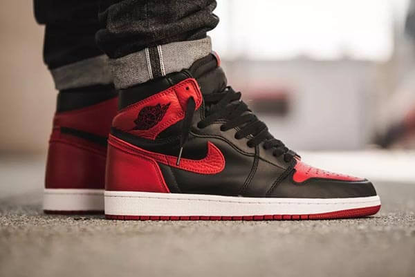 Air Jordan 1 Retro Bred