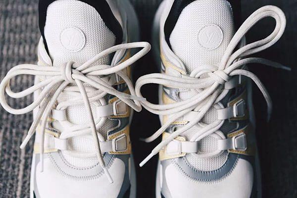 LV Archlight auth sử dụng 2 dây giày