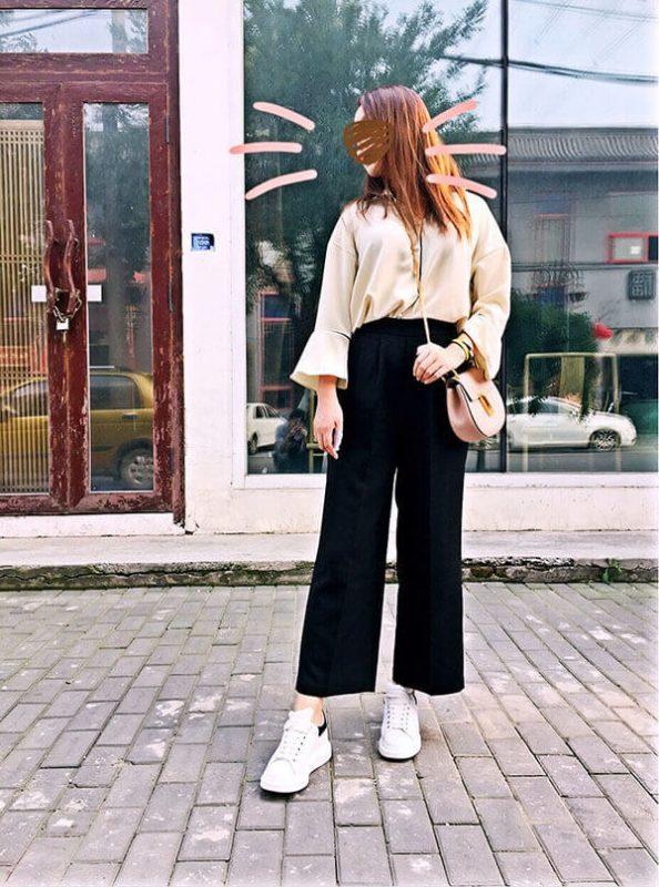 Giày mcqueen phối đồ nữ với quần ống rộng