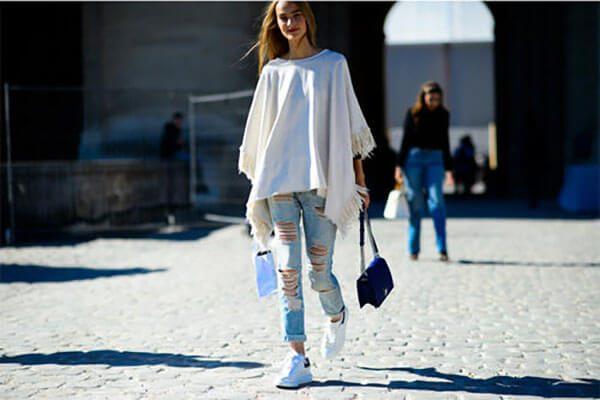 Giày mcqueen phối đồ nữ với quần jean rách