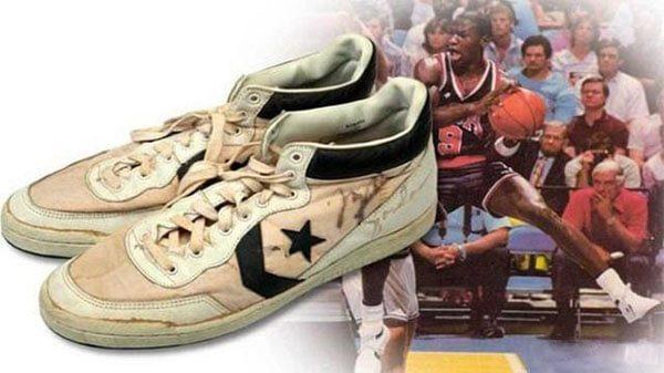 Michael Jordan đoạt Huy chương vàng với Converse (190.373USD)