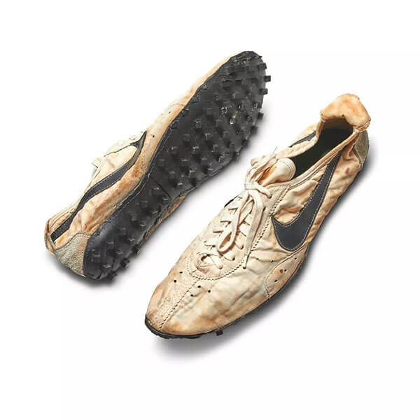 "Nike Waffle Trainer ""Moon Shoe"" (437.500 USD)"