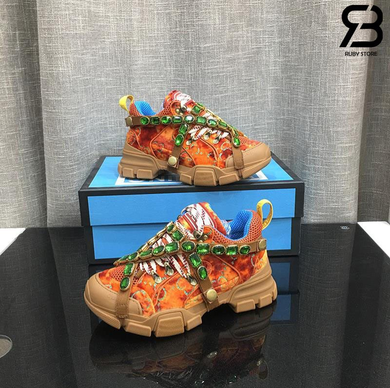 Giày Gucci Flashtrek sneakers with Crystals