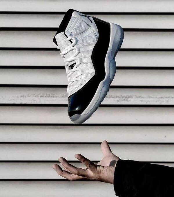 "Giày Air Jordan 11 ""Concord"""