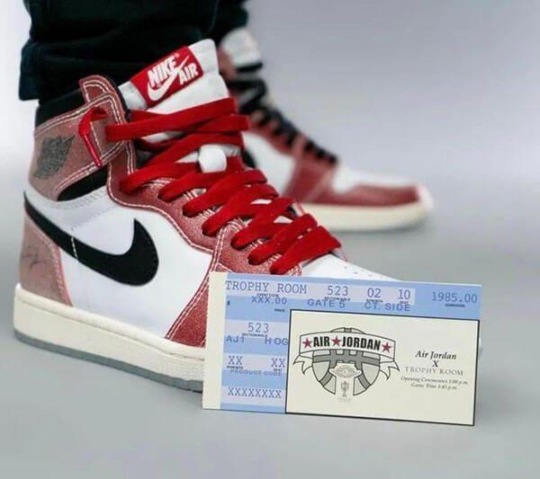 Giấy chứng nhận của Trophy Room khi mua giày
