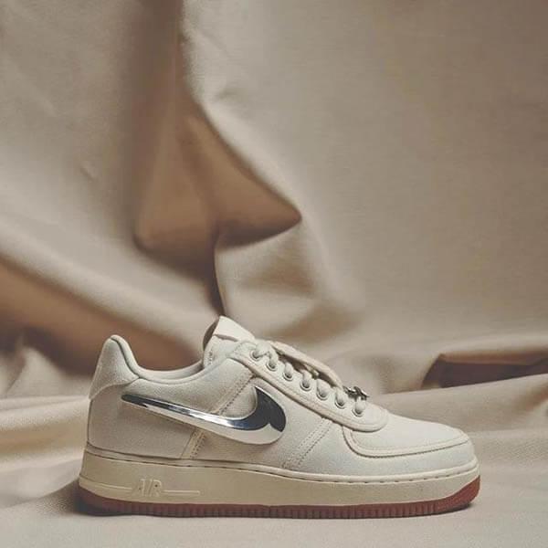 "Giày Travis Scott x Nike Air Force 1 Low ""Sail"""