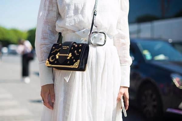 Túi đeo chéo Prada Cahier