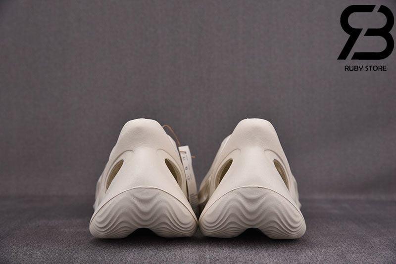 Giày Yeezy Foam RNNR Sand Trắng Siêu Cấp