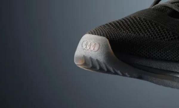 Lưới tản nhiệt trên đôi giày quattro