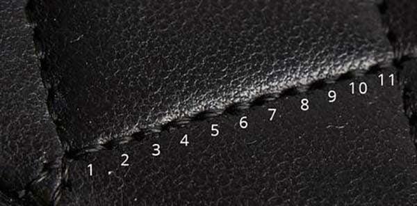 Có 11 mũi may trên túi Chanel thật