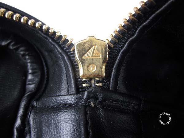Túi Chanel có khóa Zipper Lampo