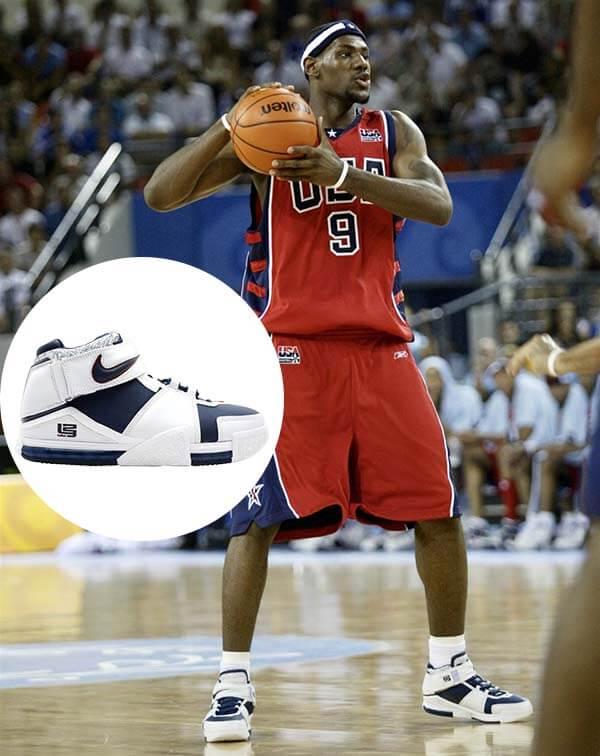 Olympic 2004: Giày Nike Zoom LeBron 2 của LeBron James