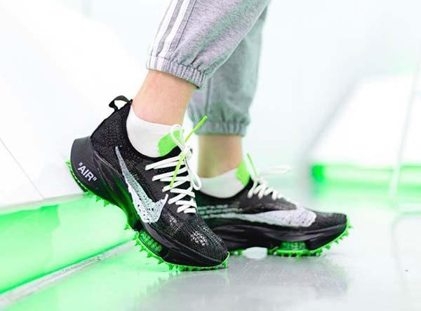 Giày Nike Air Zoom Tempo NEXT% x Off-White giá bao nhiêu