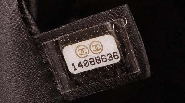 Mã code của Chanel
