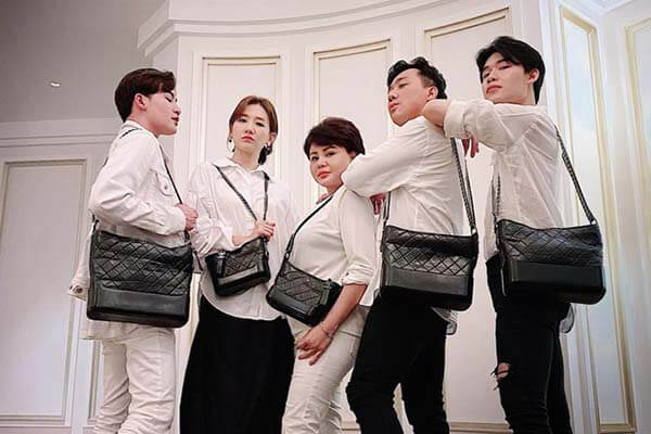 Túi xách Chanel Gabrielle của hội cờ cá ngựa Trấn Thành