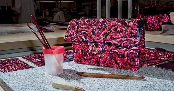 Túi Chanel đính cườm
